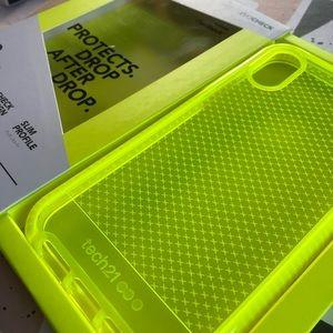 Tech21 Evo Check Neon Yellow iPhone XR Case